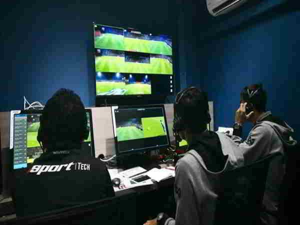Tin bóng đá Việt 15-8: AFC từ chối việc sử dụng công nghệ VAR ở trận Thái Lan gặp Việt Nam.