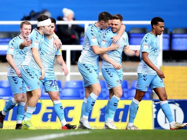 Soi kèo Châu Á Luton Town vs Coventry (2h00 ngày 17/3)